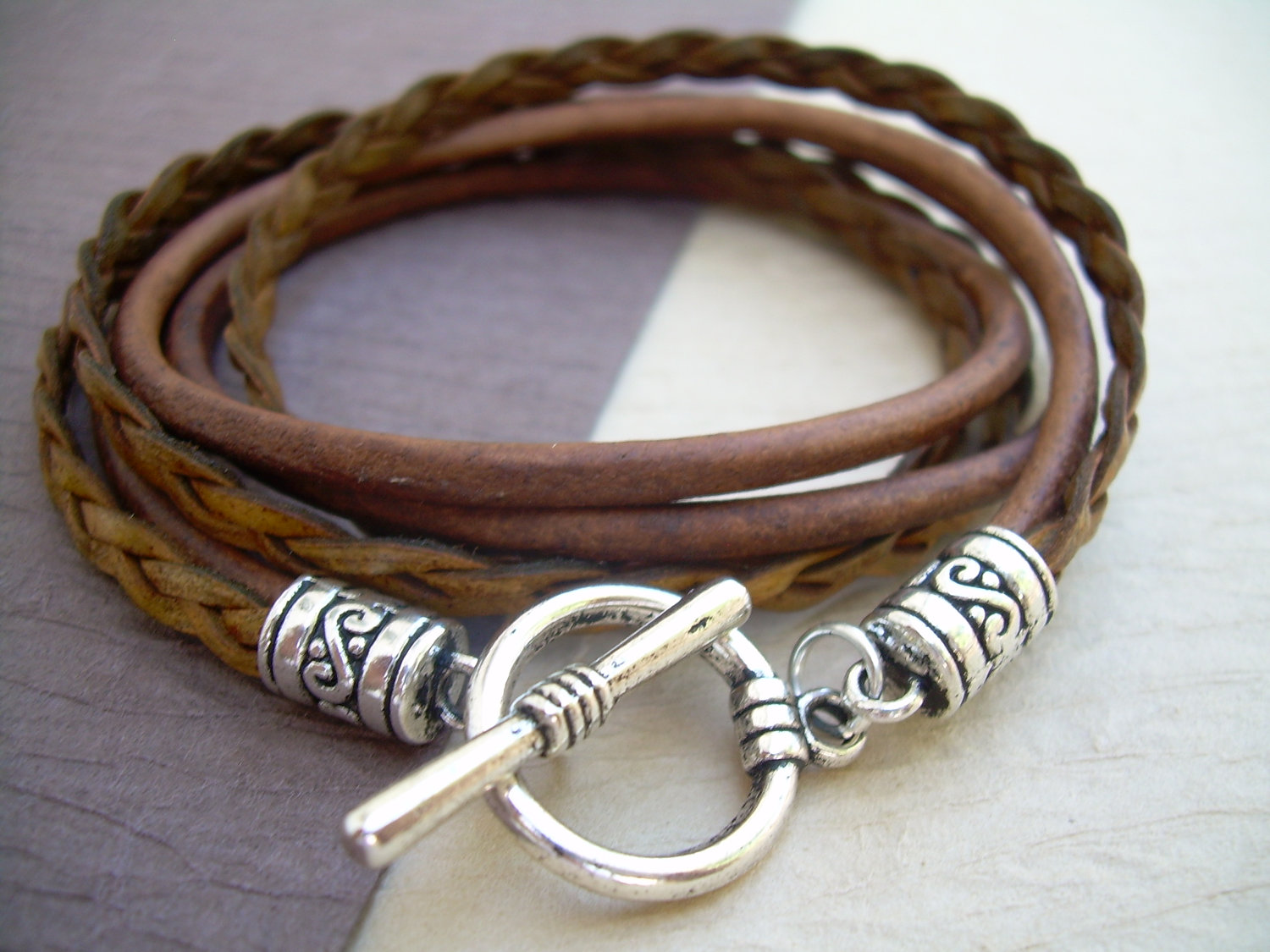 Mens Womens Uni Triple Wrap Leather Bracelet With Toggle Clasp Light Antique Brown